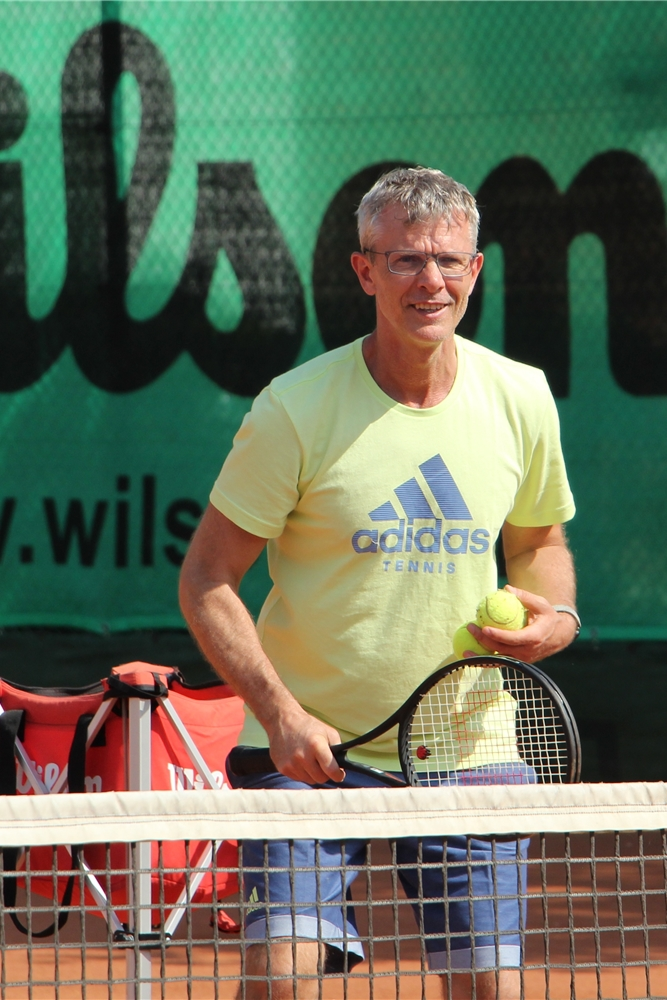 Björn Louis ist Tennis-Trainer beim TV Altlünen und hat eine Tennisschule in Waltrop.