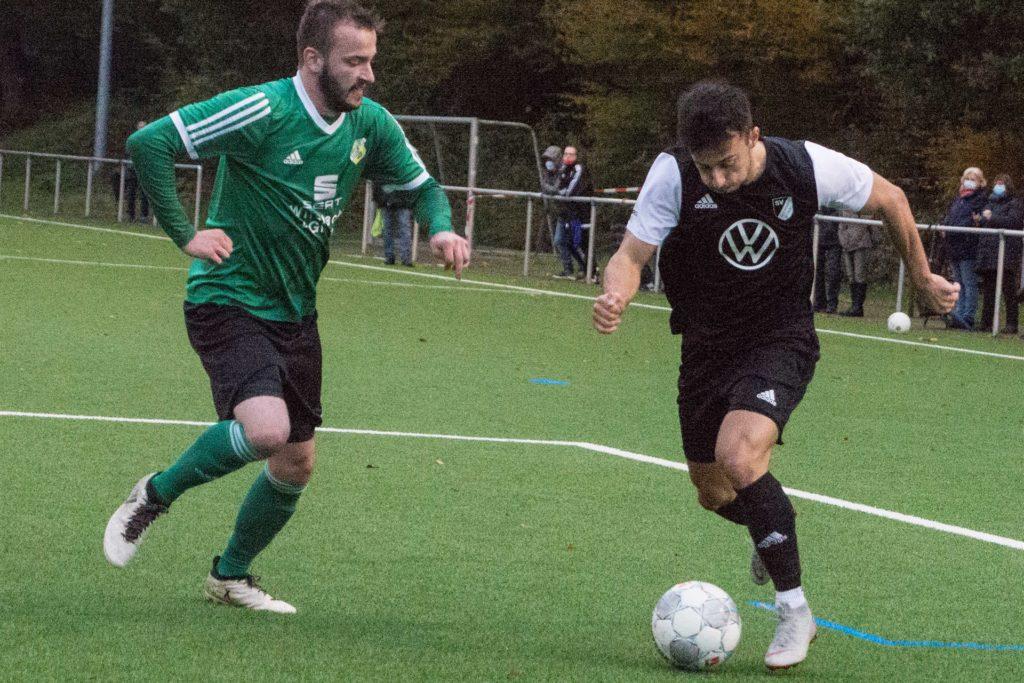 Giacomo Lopez-Fernandez (r.) kehrte im Sommer zum SV Lippramsdorf zurück.