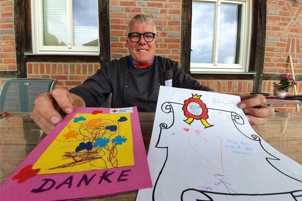 Metzgermeister Clemens Beckers hat in den vergangenen Wochen viel Dankbarkeit erfahren. Kinder malten für ihn und sein Team Bilder, eine Mutter schenkte sogar Blumen.