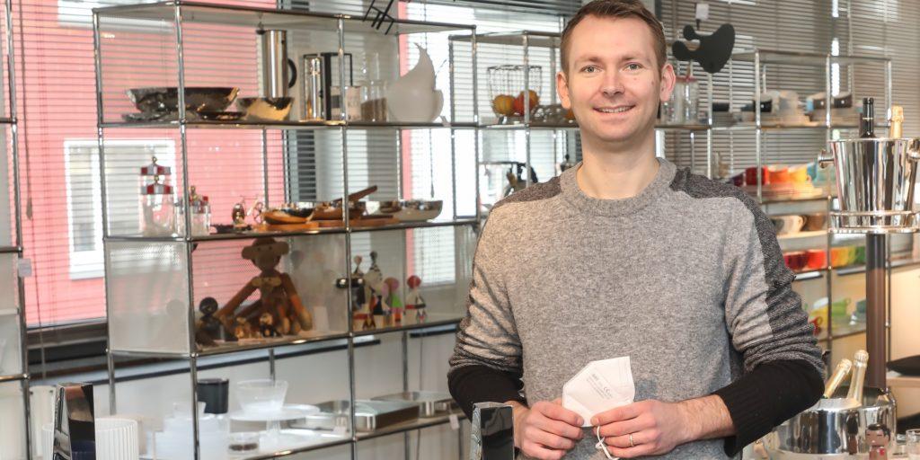"""Paul Spielhoff führt seit 2016 das Einrichtungsgeschäft Wim Gelhard an der Schliepstraße in Dortmund. Die Zwangsschließung im ersten Lockdown machte ihm große Sorge: """"Das war doch eigentlich unvorstellbar."""""""
