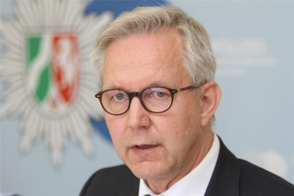 """Polizeipräsident Gregor Lange: """"Das Corona-Virus hat auch für Kriminelle vieles verändert: Tatgelegenheiten sind weggebrochen - zum Beispiel dadurch, dass die Menschen mehr Zeit zuhause verbracht haben."""""""