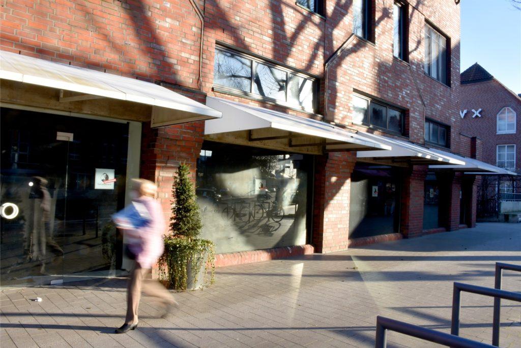 Der Vorstand der Volksbank Gronau-Ahaus freut sich, dass das Gebäude während der Planungsphase neu genutzt wird.