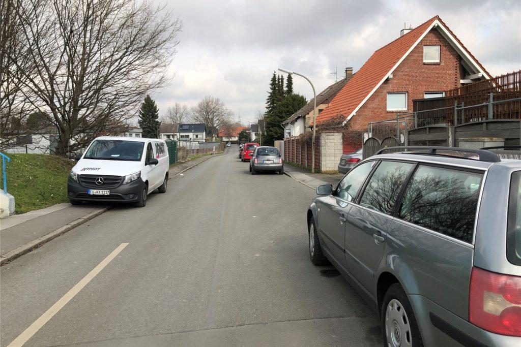 Die Straße In den Börten ist eng - zu eng, um dort mit großen Lkw hindurchzufahren