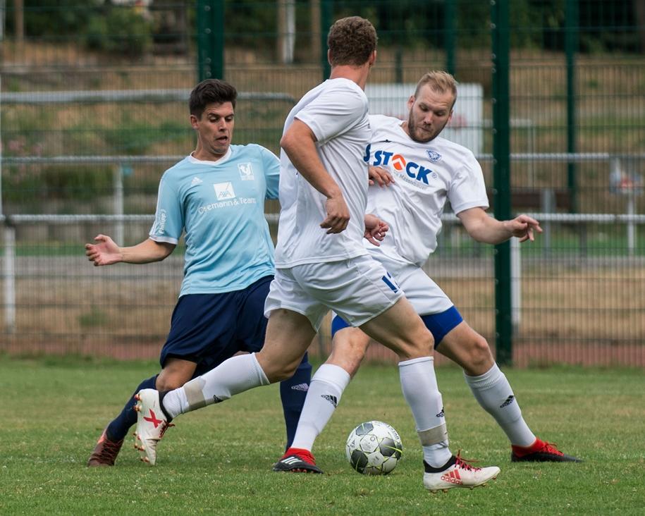 Torben Spyra (l.) spielt bald mit seinem Bruder Malte, der aus der Jugendspielgemeinschaft vom TuS Haltern und Concordia Flaesheim nach Sythen wechselt.