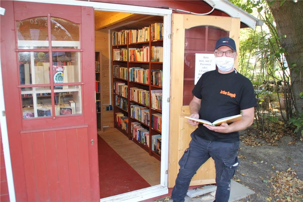 Arthur Knoppik lud den Nachwuchs zum Buchlesen ein.