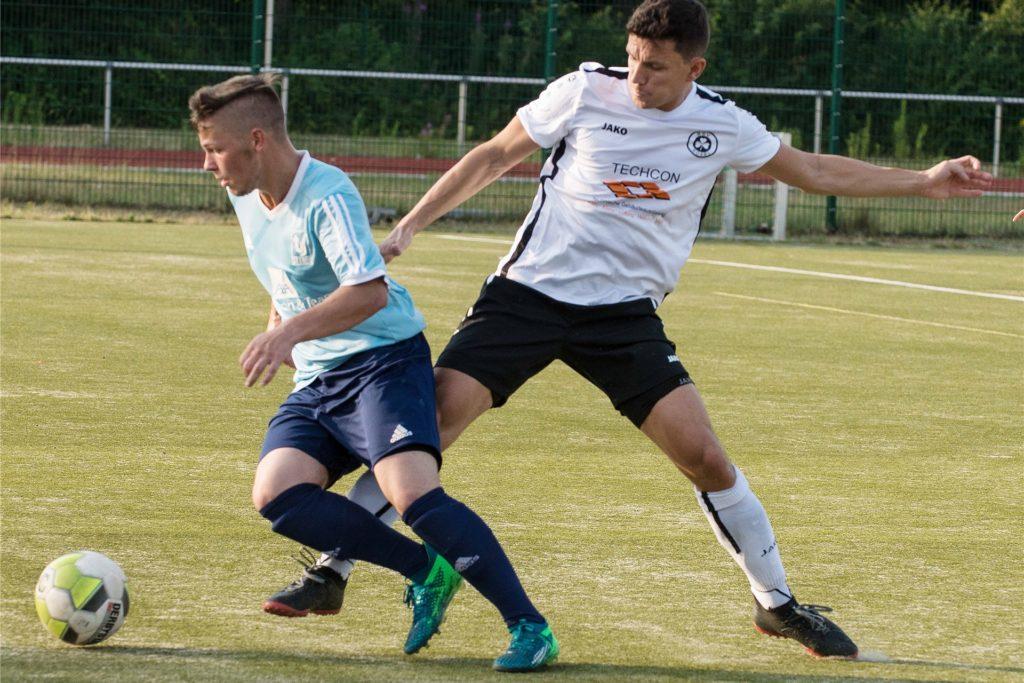 Lucas Lasch (l.) vom TuS Sythen spielt in der kommenden Saison mit seinem Bruder Tizian Lasch in einem Team.