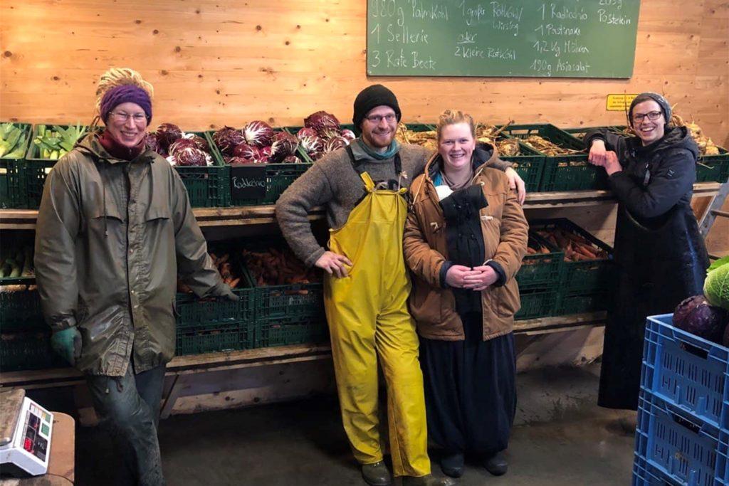 Das Gärtner- und Landwirt-Team: Anne Reygers, Laurin Berger, Birte Liekenbrock, Tina Brämswig.
