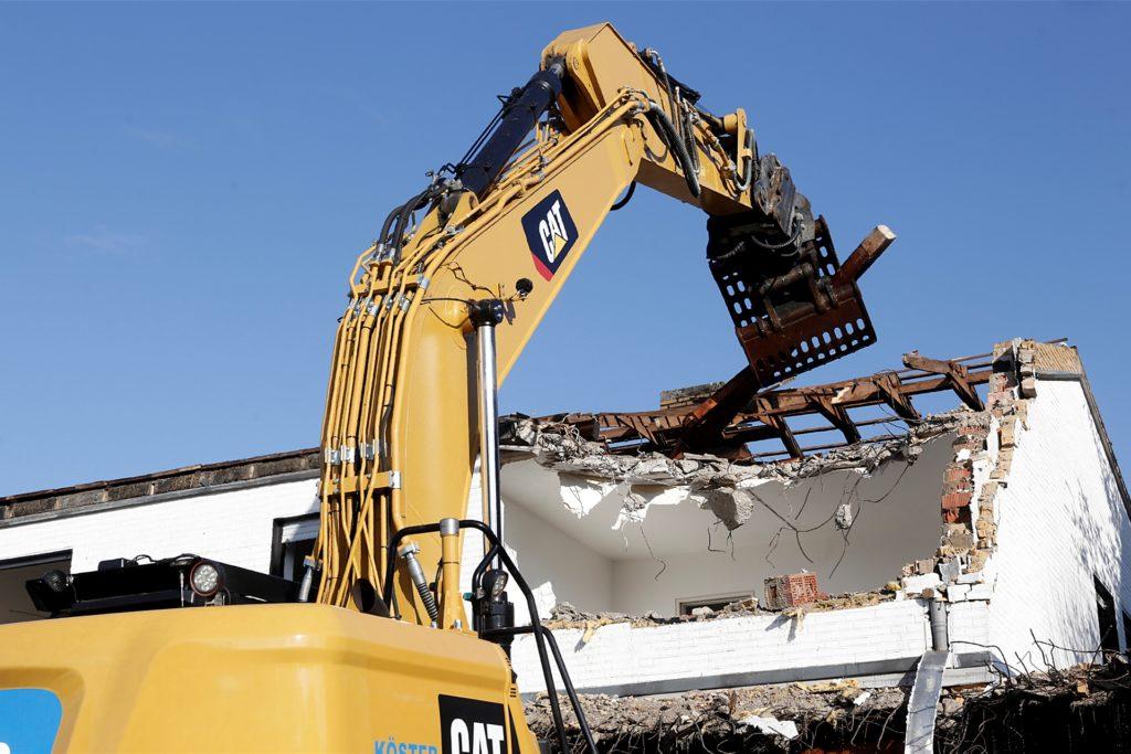 Die Materialien vom Abriss werden getrennt und weitgehend recycelt.