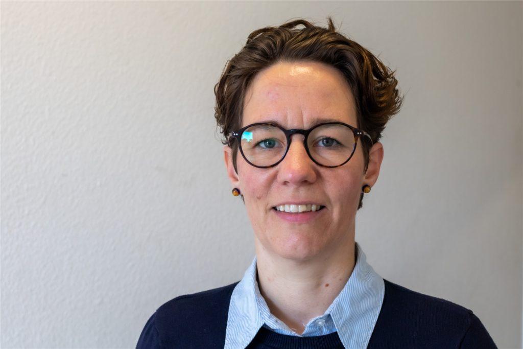 Simone Schulze Beikel (42) ist Oberbrandmeisterin bei der Freiwilligen Feuerwehr in Legden. Zusammen mit hunderten Feuerwehrleuten aus dem ganzen Kreis Borken hat sie am Sonntag spontan eine Impfung bekommen.