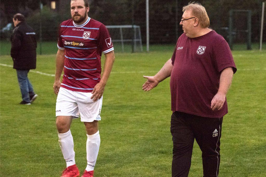 Christoph Bafs-Dudzik (r.) und Marco Masannek (l.) leiten das Training beim SV Hullern gemeinsam.
