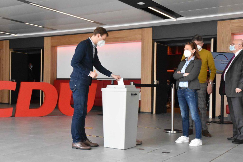 53 stimmberechtigte CDU-Delegierte gaben ihre Stimme ab.