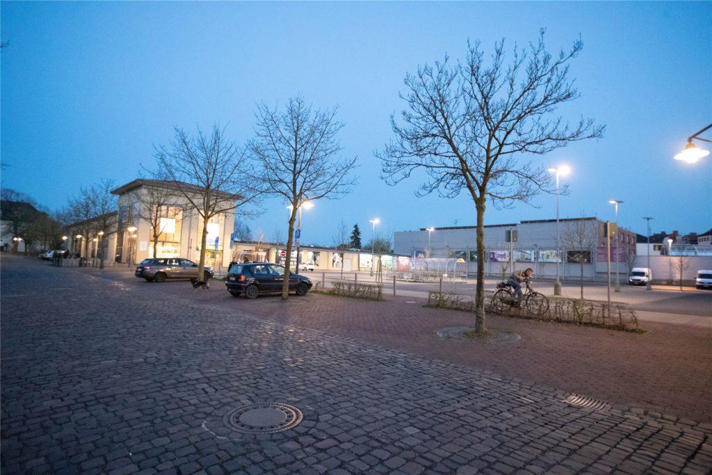 Supermärkte und andere Läden schlossen in Selm spätestens um 21 Uhr. Lieferdienste dürften auch während der Sperrstunde noch ausliefern.