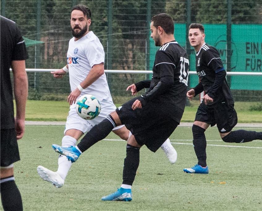 Granit Gashi (l.) wird in der kommenden Saison für den TSV Marl-Hüls spielen.