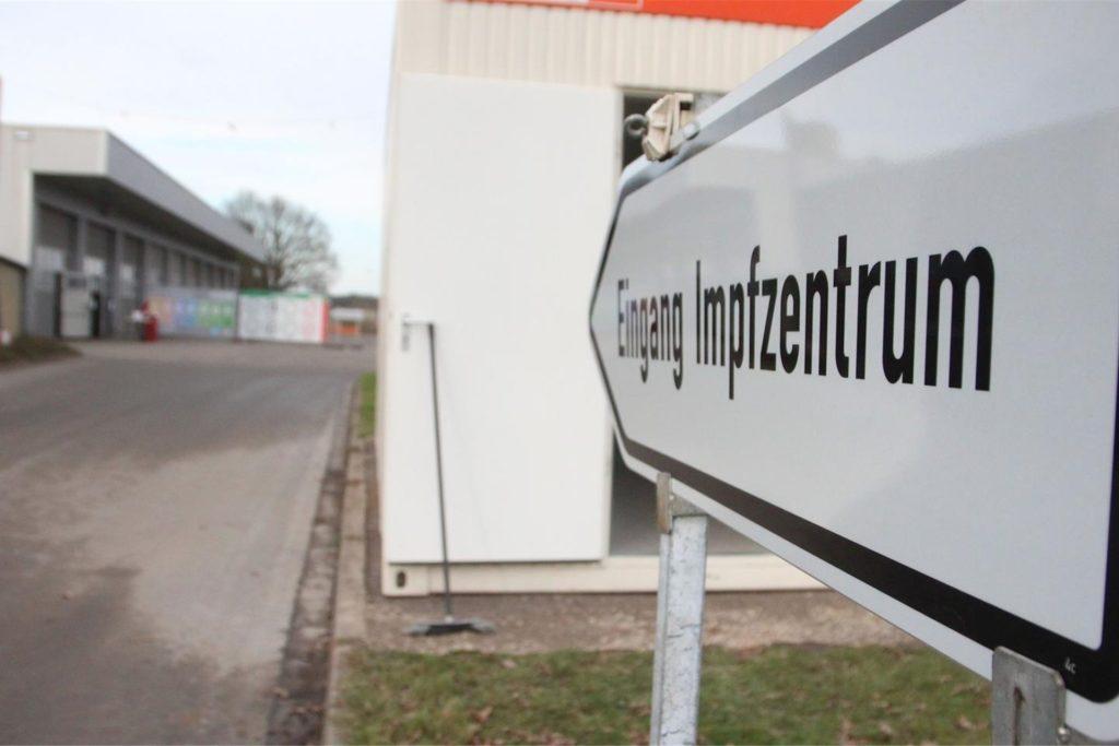Die Impfterminvergabe für die Geburtsjahrgänge 1950 und 1951 ist heute (23. April) im Impfzentrum Velen gestartet.