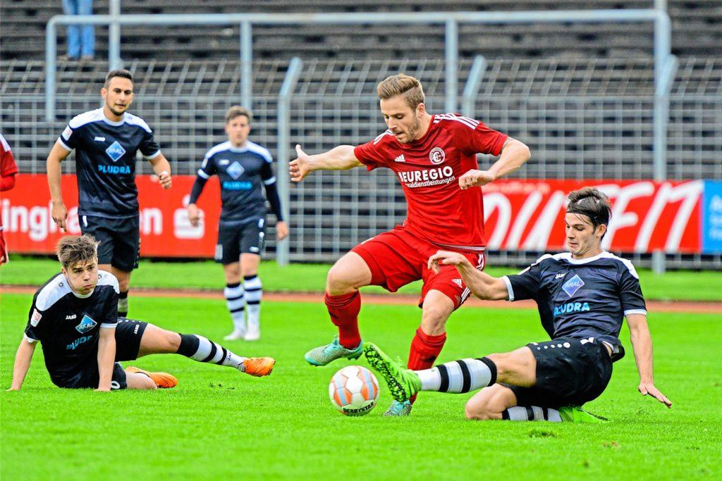 Stefan Oerterer (rot), hier noch im Trikot der Spielvereinigung Erkenschwick, kehrt im Sommer zu seinem Ex-Verein zurück.