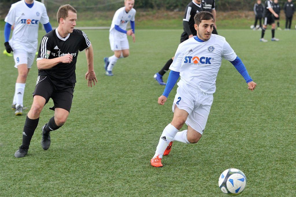 Abdulhadi Jaber (r.) spielte spielte zwei Jahre für den ETuS Haltern, im Sommer wechselt er zum TSV Marl-Hüls.