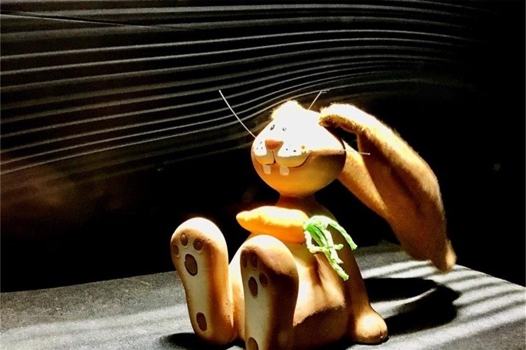 Ein bisschen Spaß muss sein: Zu Ostern setzte Hansen einen Hasen mit Stoffohren in den Windkanal und nutzte das Foto als Grußkarte.