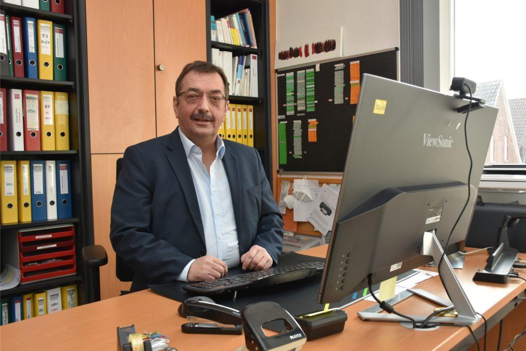 Reinhard Sicking leitet die Altenpflegeschule in Wessum.