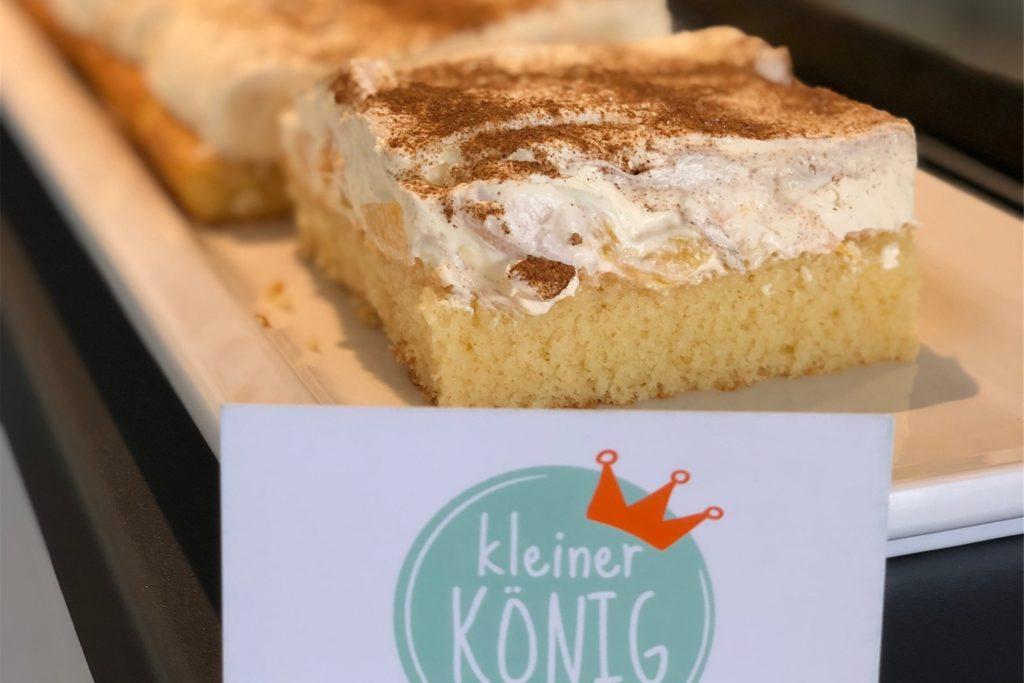 Das Kuchenangebot im Café kleiner König wechselt.