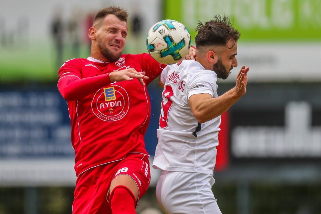 Aldin Kljajic (l.) bleibt Türkspor Dortmund treu.