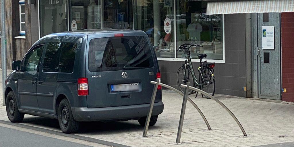 So stand der Messwagen der mobilen Geschwindigkeitskontrolle am Freitag an der Bahnhofstraße.