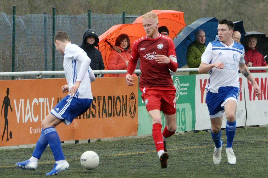 Patrick Brinkert (M.) vom TuS Haltern am See stand in dieser Saison in der Oberliga Westfalen neun Mal auf dem Platz.