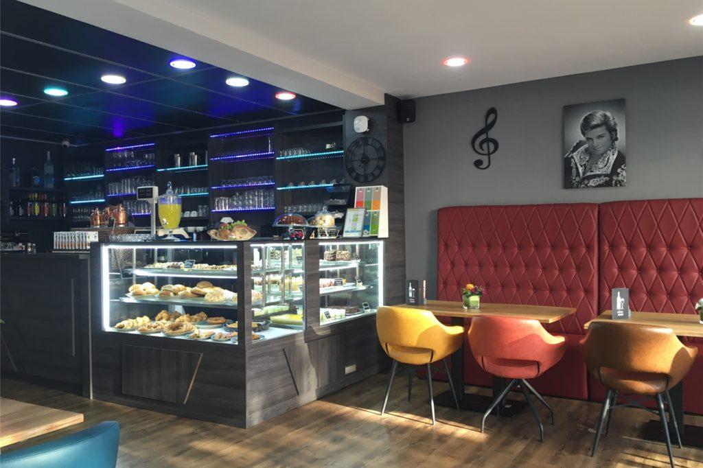 Stylisch und modern sieht es im Piano Café aus. Zunächst öffnet aber nur der Außenbereich.