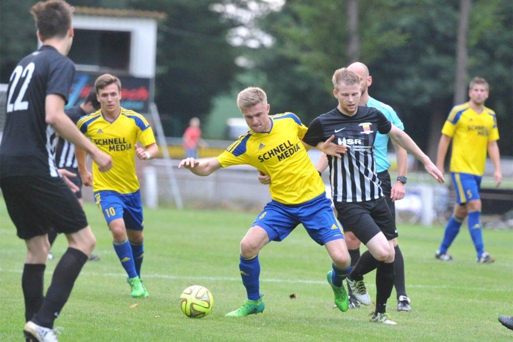 Romario Wiesweg spielt auch in der kommenden Saison mit RW Ahlen in der Regionalliga West.