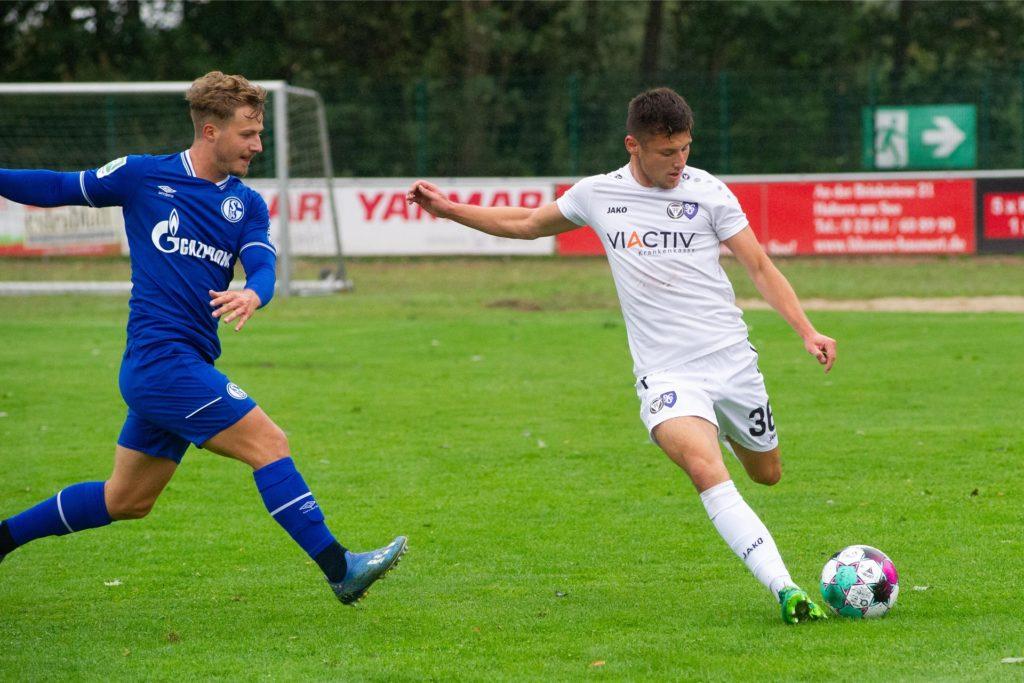 Nico Pulver (r.) vom TuS Haltern am See könnte in der kommenden Saison im Profifußball unterkommen.