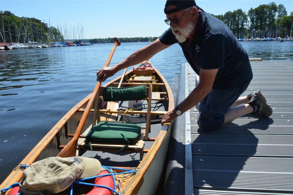 Mein Bootsführer für den heutigen Tag: Reinhold Gerwert, der Hafenmeister der Bootshausgesellschaft Strandallee.