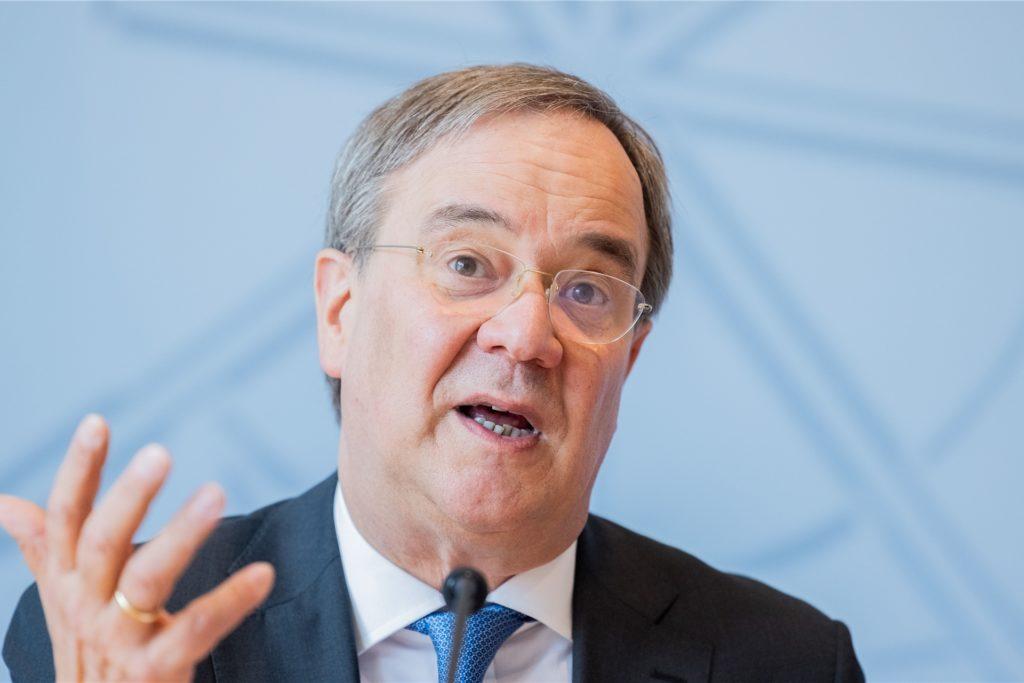 Armin Laschet (CDU), Ministerpräsident von Nordrhein-Westfalen und Bundesvorsitzender, will die Schulen nach den Sommerferien wieder regulär öffnen.