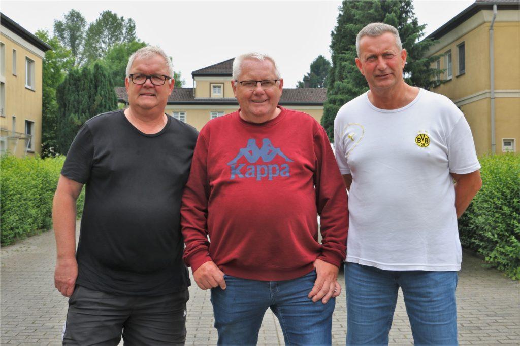 Uwe Kisker (Mitte) mit seinen Nachbarn Jürgen Prochnau (rechts) und Jürgen Schnell (links)