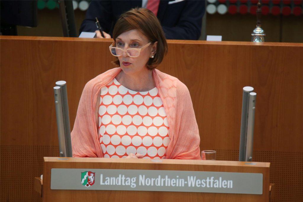 Die Ministerin für Schule und Bildung NRW, Yvonne Gebauer, sprach am Freitag (25. Juni) über das kommende Schuljahr.