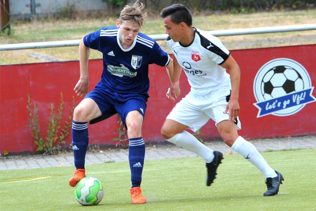 Lukas Beßlich (li.) geht in seine vierte Spielzeit beim VfL Schwerte.