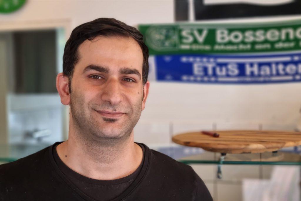 Auch Rastam Haj Hossein, der Besitzer des Biano, rechnet mit Preiserhöhungen durch die neuen Verpackungsmaterialien.