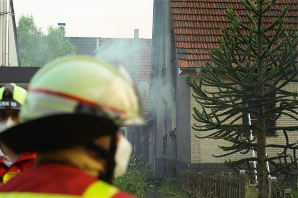 Bei einem Brand in der Heerstraße kam eine Frau ums Leben.