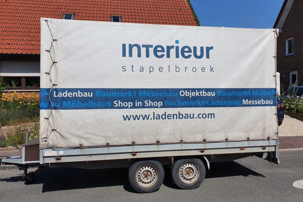 Die Firma Stapelbroek half aus und stellt Transporter und Anhänger zur Verfügung.