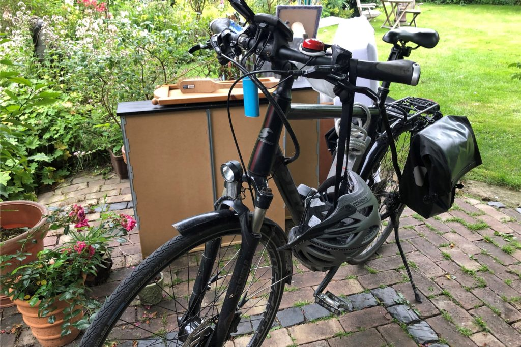 Seit acht Jahren nutzt Dagobert Ullrich für die Strecke Werne-Lünen und abends zurück ein Pedelec. Mittlerweile musste er einen Ersatz-Akku kaufen.