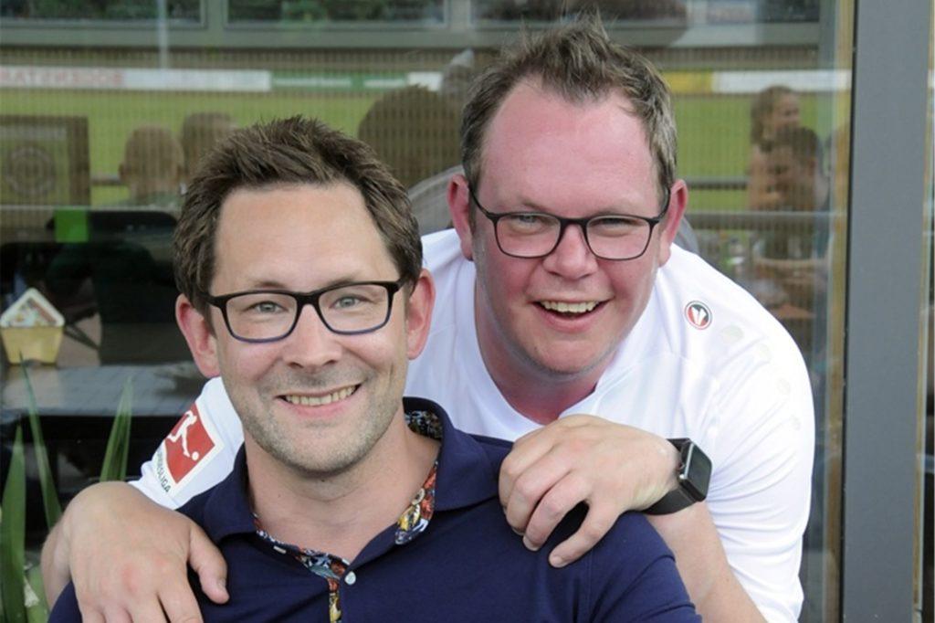 Sponsor Andreas Heeks hier mit seinem Kumpel André Tenspolde, der die angepeilten 2000 Meter durchzog.