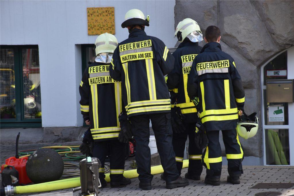 In Wuppertal war es die Freiwillige Feuerwehr aus Haltern, die während der Flutkatastrophe ein Altersheim von Wassermassen befreite.