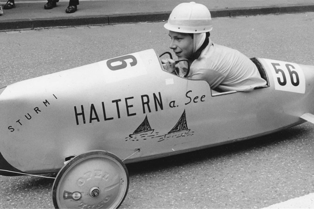 Zusammen mit seinem Vater bastelte der Hauptschüler Heinrich Gerding die Siegerkiste. Haltern am See kam groß heraus!
