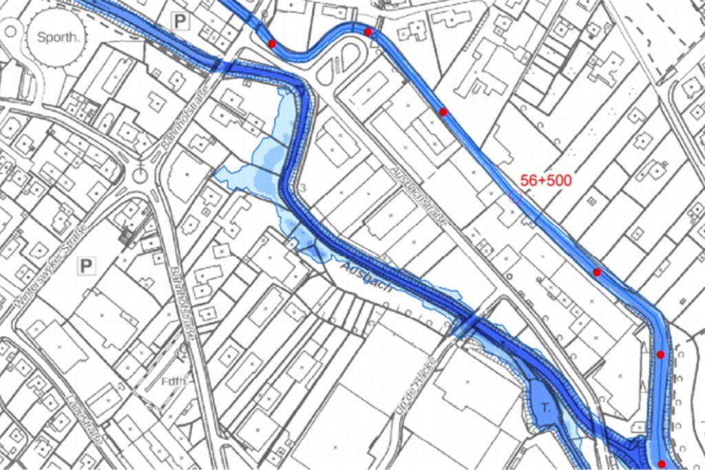 Die Gärten von Wohnhäusern an der Bahnhofstraße würden bei einem Hochwasser, das relativ häufig vorkommt, überschwemmt werden.