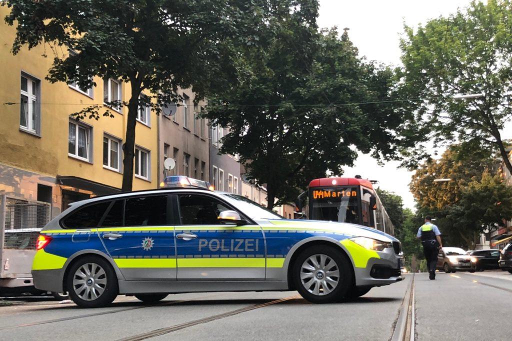 Auch der ÖPNV - in diesem Fall die Stadtbahnlinie U44 - war von den Absperrungen betroffen.