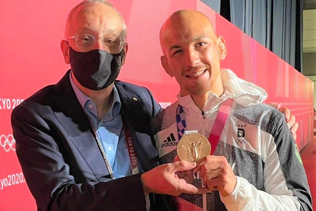 Karl-Martin Dittmann (l.) mit Bronze-Gewinner Frank Stäbler, der seine Ringer-Karriere beendet.