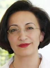 Die Gynäkologin Fatma Michels beteiligt sich an Sonderimpfaktionen, die gezielt Menschen mit Migrationshintergrund ansprechen sollen.