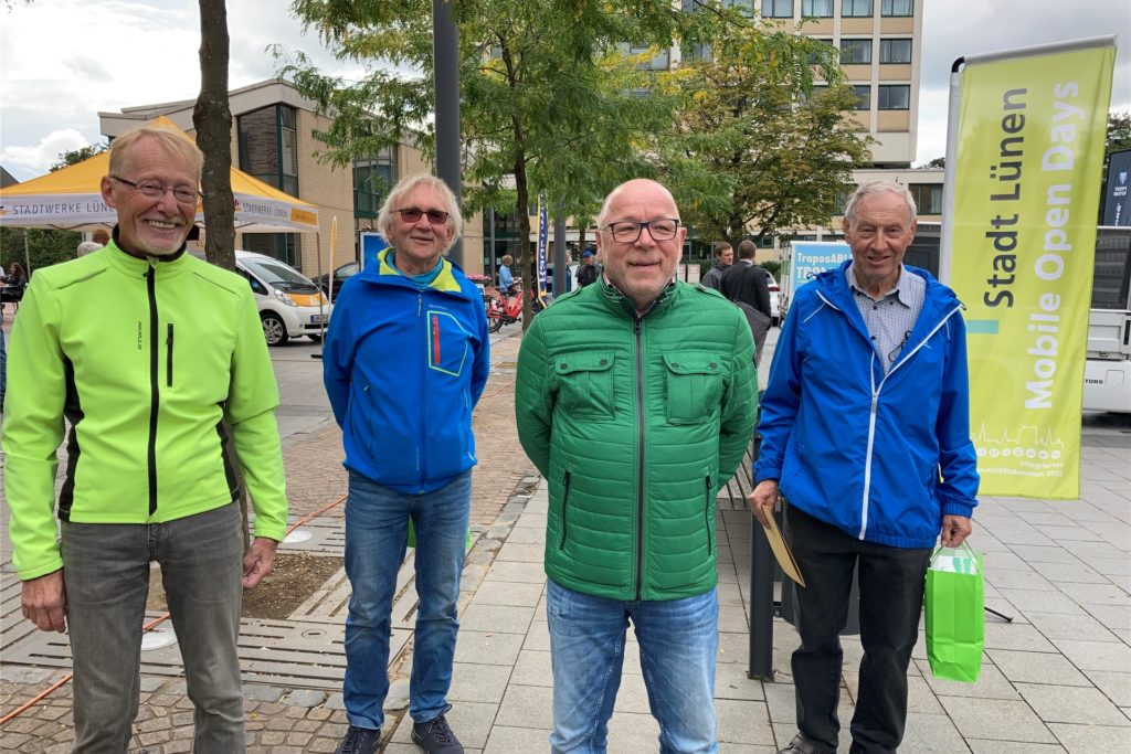 (v.l.n.r.) Wilfried Schemming, Heiner Krüger, Christian Skaletz und Werner Krause von den
