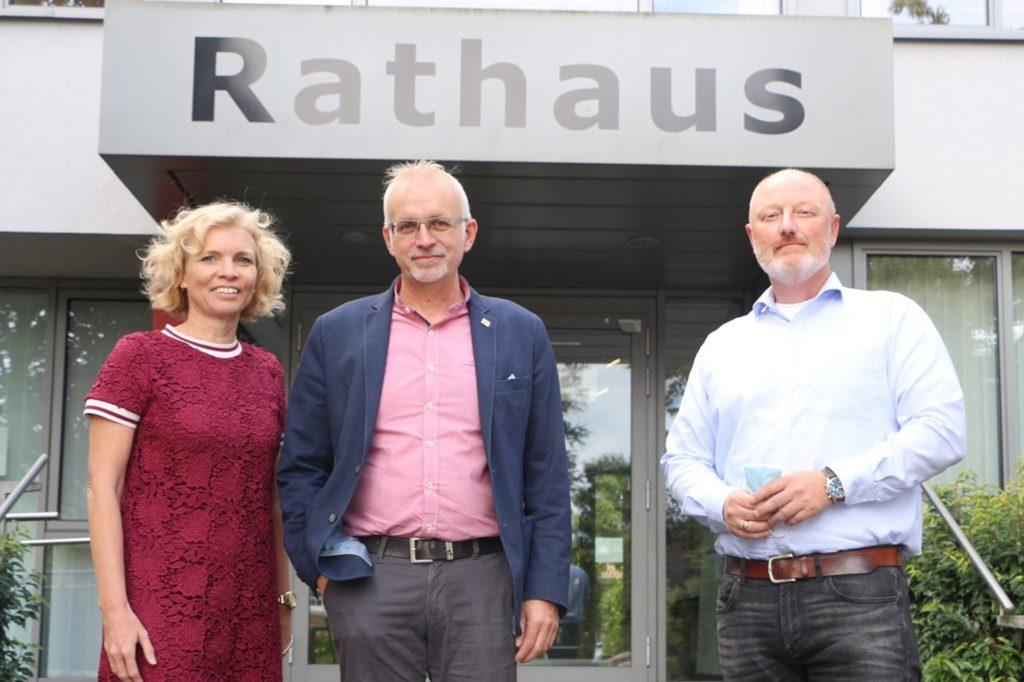 Kämmerin Birgit Küpers, Bürgermeister Werner Stödtke und Markus Lask, Leiter der Facheinheit Zentrale Dienste (v.l.), sehen sich in der Verwaltung vielfach als Exekutive von Bund und Land.