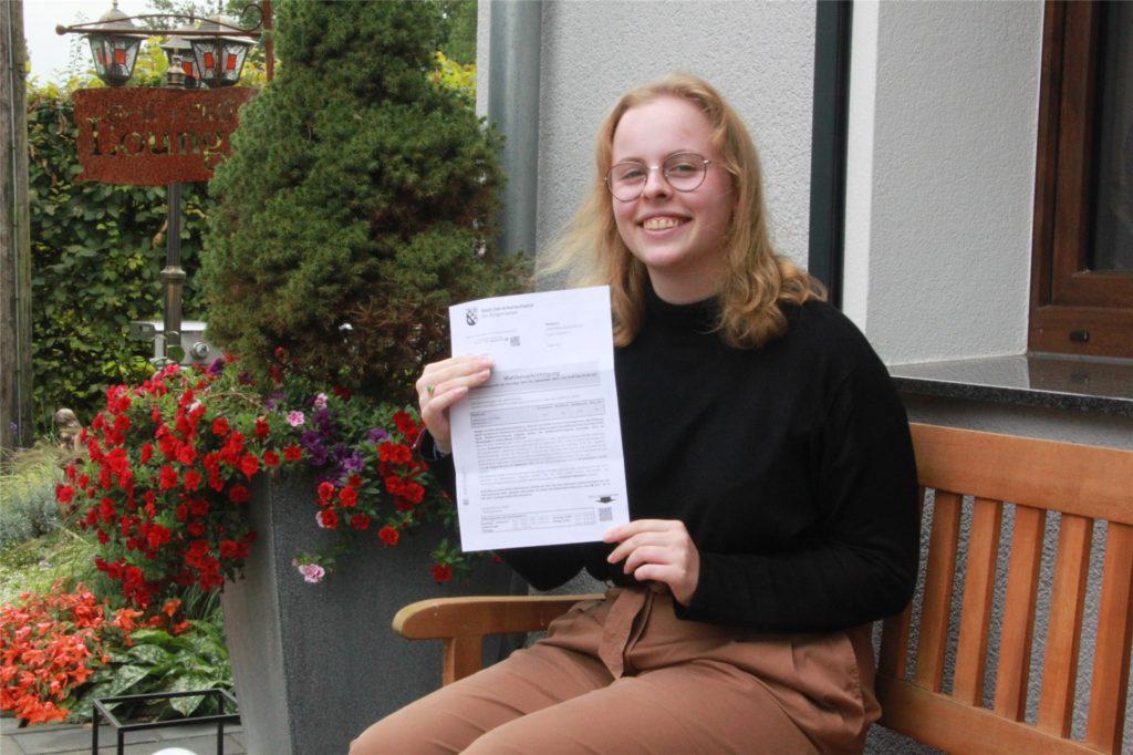 Ihren Wahlschein hat sie parat: die 18-jährige Luisa Ridder.