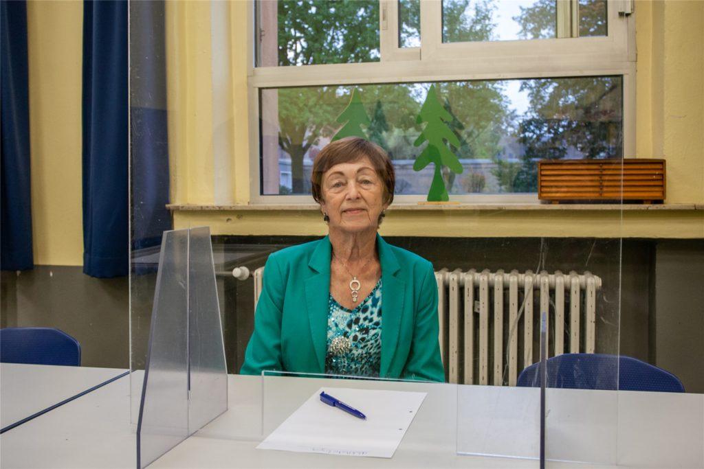Christel Reichwald (83) ist die älteste aktive Wahlhelferin in Datteln.